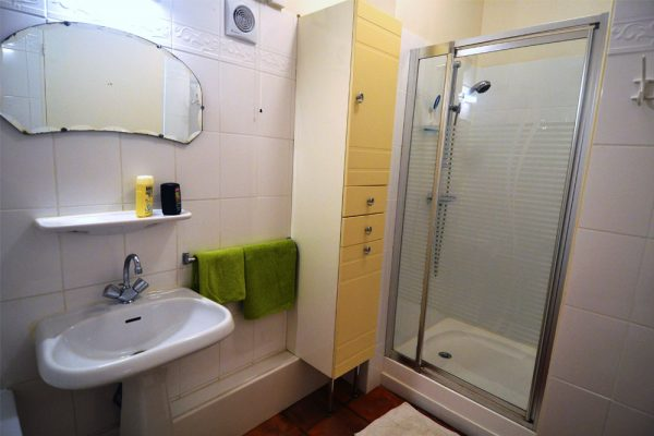 Badkamer gastenkamer Manseng Le Manoir Souillac
