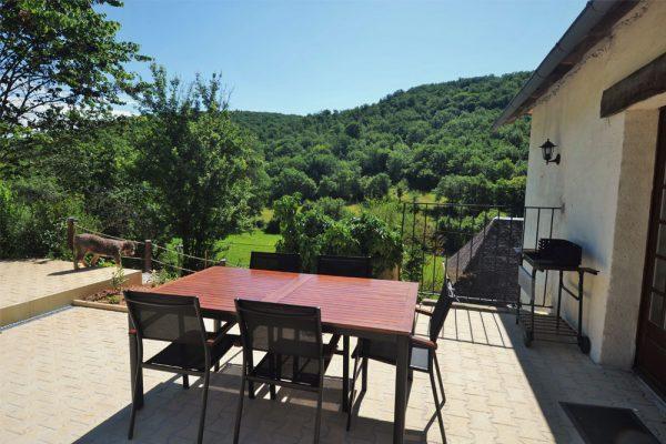 uitzicht vanop terras van gite Malbec Le Manoir Souillac