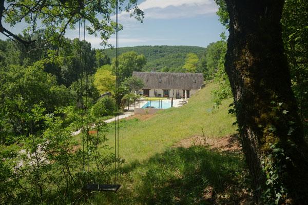 Le Manoir in Souillac, zicht op het zwembad