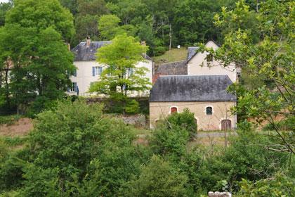 Zicht vanaf Le Boulet op Le Manoir in Souillac