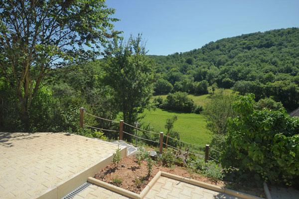 zicht vanaf terras gite Malbec Le Manoir Souillac