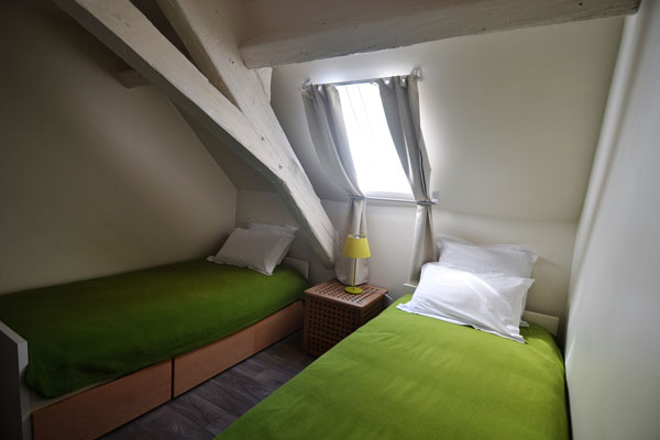 single beds of gite duras