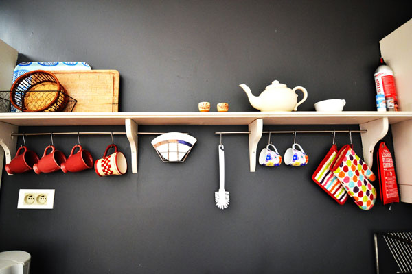 kitchen accessories in room/gite Manseng