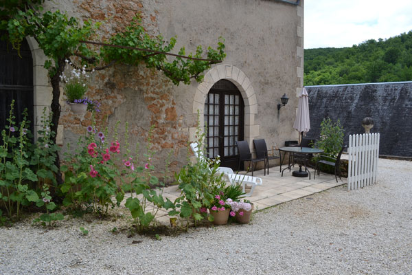 Le Manoir in Souillac, terrace plants gite manseng