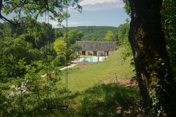 Le Manoir in Souillac, view of swimming pool
