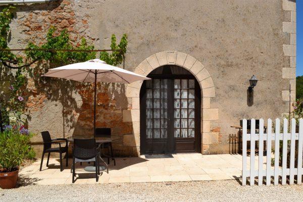 Private Terrasse des Gästezimmers Manseng Le Manoir Souillac