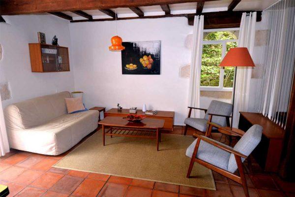 Sitzbereich des Gästezimmers Colombard Le Manoir Souillac