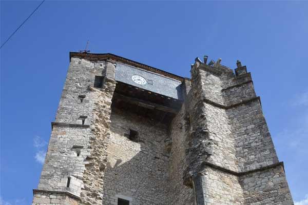 Glockenturm auf dem Place Saint-Martin in Souillac