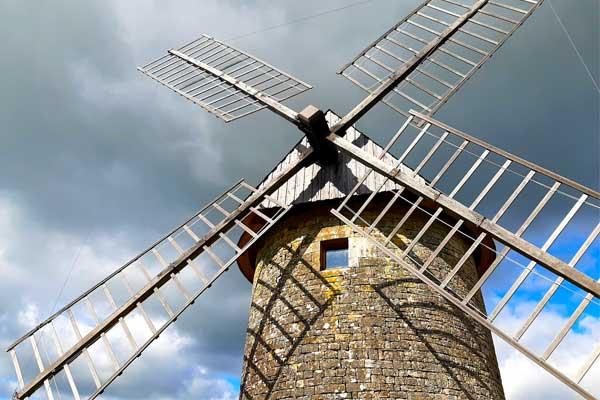 Windmolen in Gignac, Lot, Occitanie